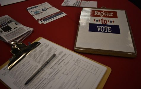 "Young voters learn how ""to rock the vote"" for Nov. 5"